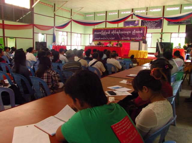 un meeting politique dans l'état Karenni - photo M.Baudey
